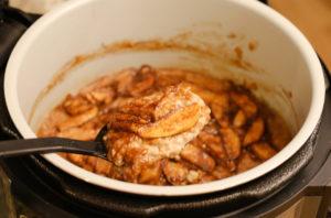 Ninja Foodi Cinnamon Apple Oatmeal Bake
