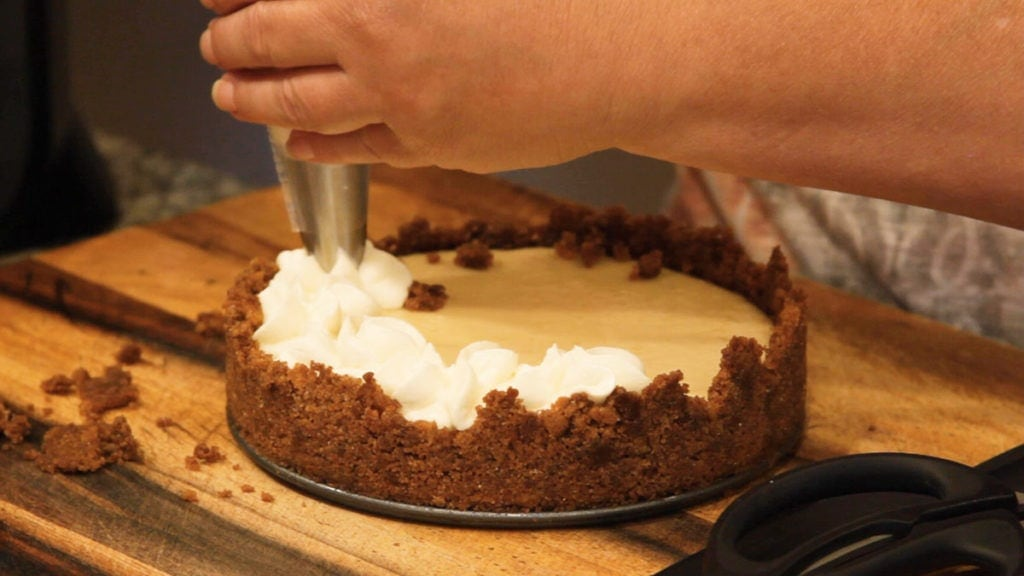 decorating key lime pie