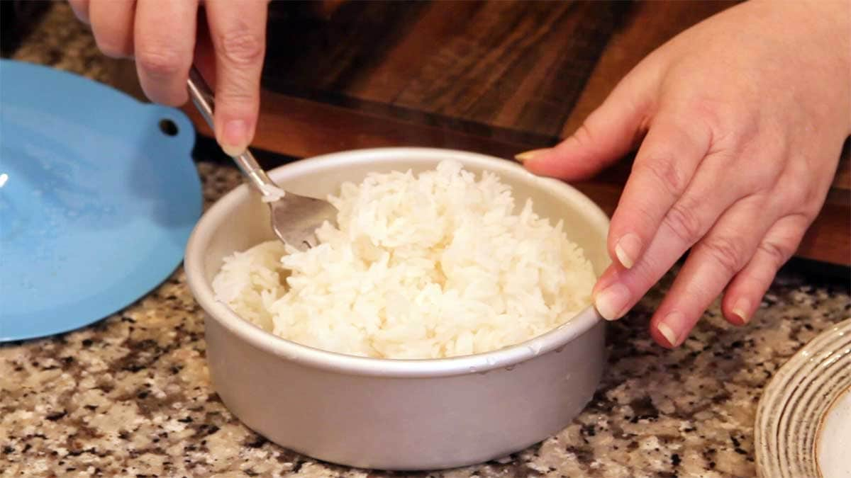 fluffing rice for filipino chicken adobo 360 meal