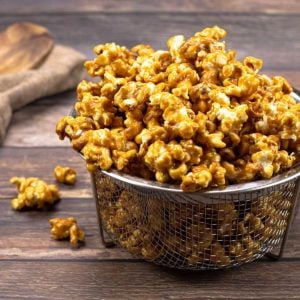 Caramel popcorn in a wire bowl