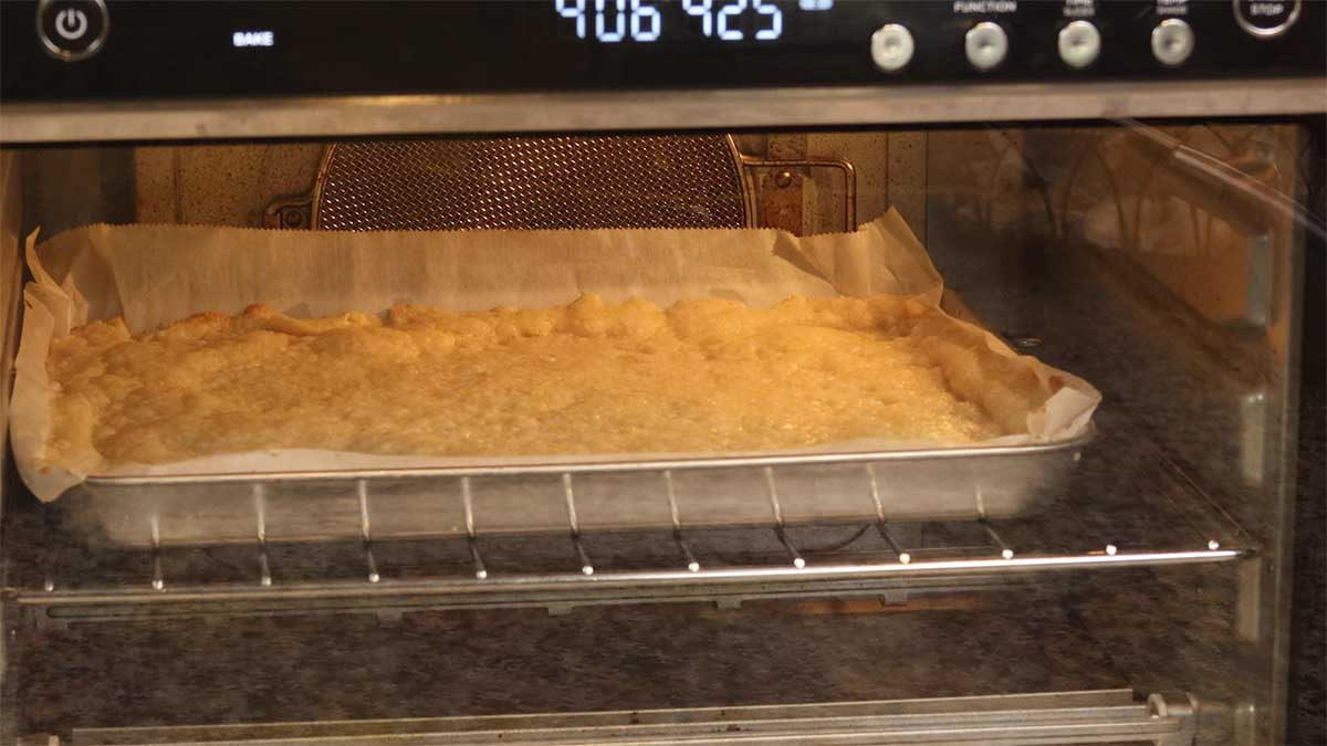 baking the shortbread crust
