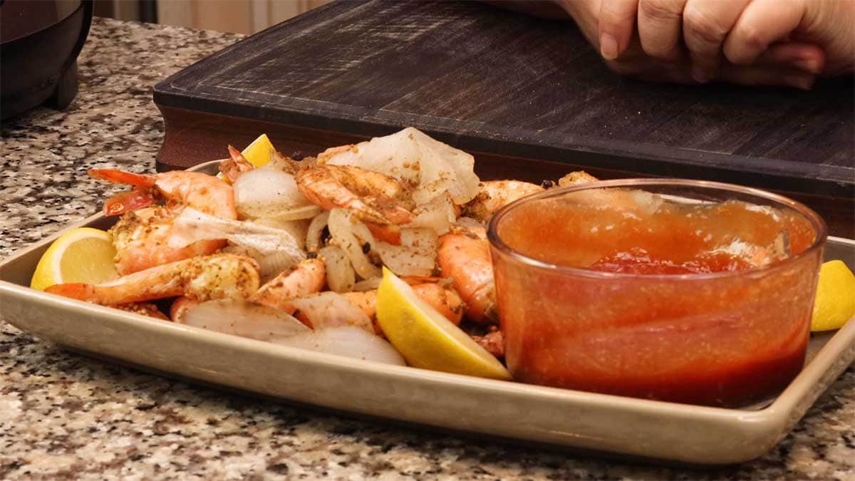 Maryland steamed shrimp on a platter