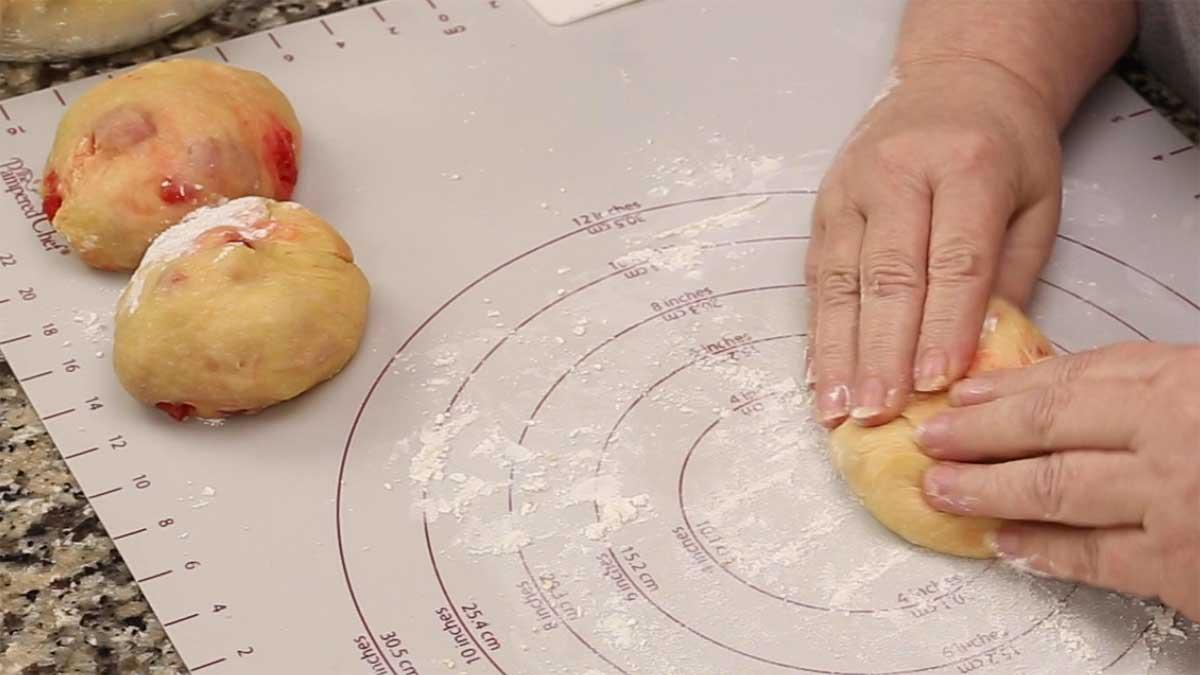 3 equal size dough balls